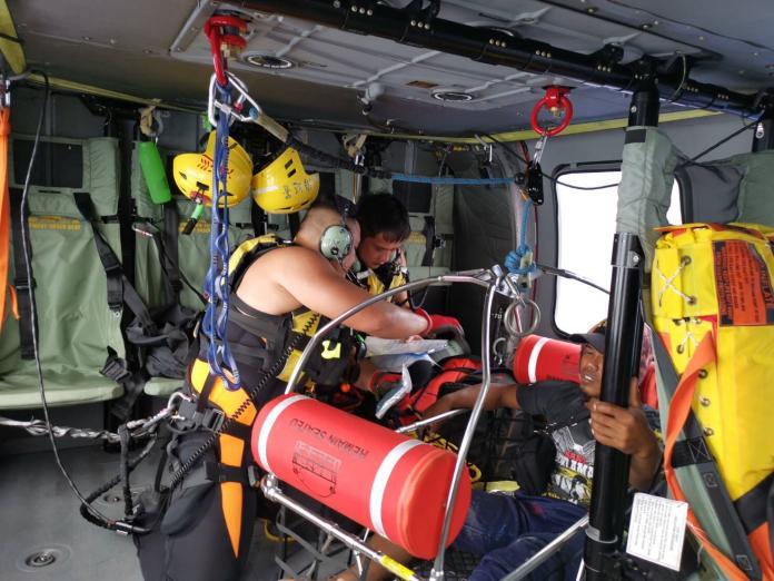 印尼籍漁工遭魟魚刺傷 空勤急送就醫救回一命