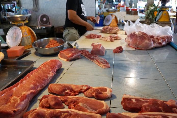▲肉攤業者平均每月營收超過 30 萬元,但實際賺的是辛苦錢。(示意圖/取自 Pixabay )