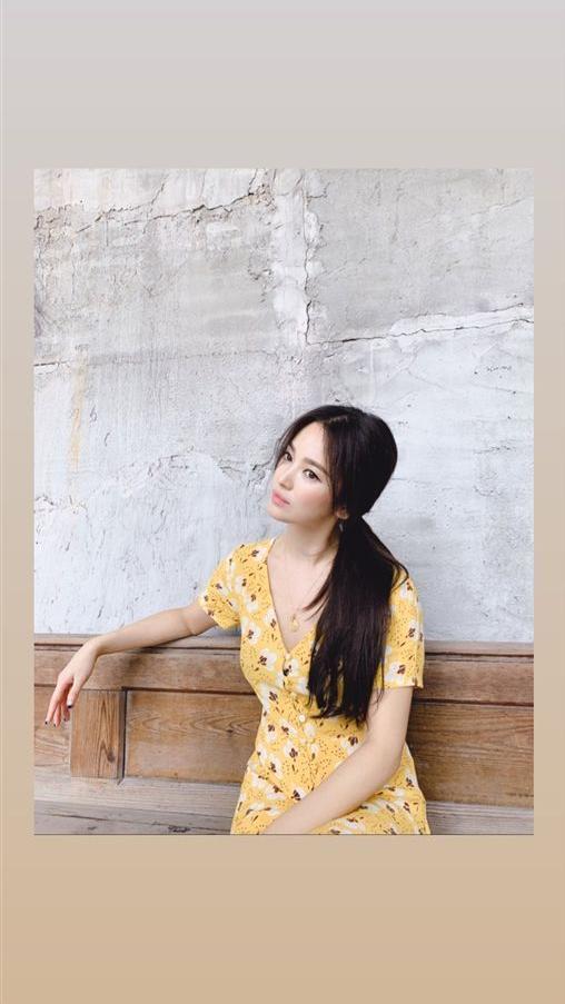 ▲造型師曝光宋慧喬側拍美照,她神色輕鬆。(圖/IG)