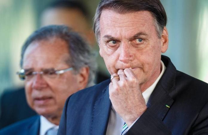 ▲巴西總統波索納洛赴日參加G20,隨行的空軍機師竟被查出,行李藏有多達39公斤的古柯鹼。(圖/翻攝Olive