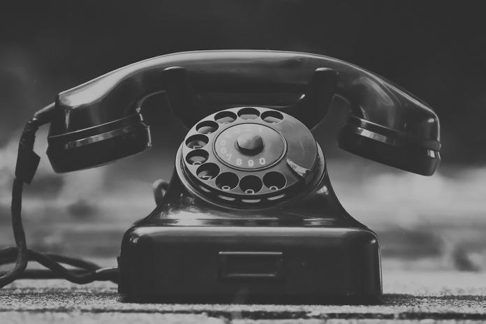 ▲有網友在 PTT 好奇詢問廣大鄉民,是否打過或做過「 0204 」色情電話,貼文立刻釣出許多老司機出面回應。(示意圖/翻攝自 Pixabay )