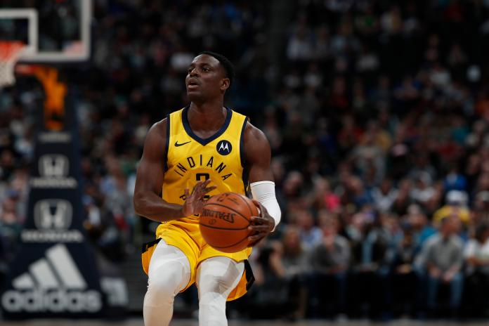 Indiana Pacers guard Darren Collison (2), r m