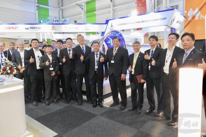 ▲ 為持續推動國內航太產業發展,漢翔公司今年循例前進第53屆法國巴黎航展。(漢翔公司提供)