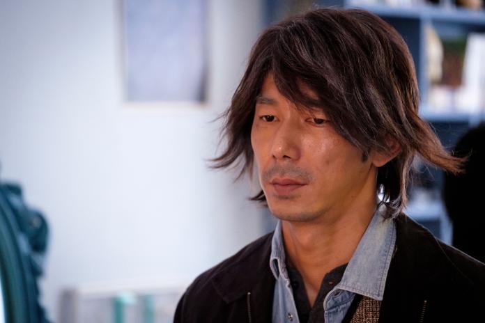 歐銻銻娛樂提供03李李仁詮釋髒黑流浪漢兒子嫌棄「很醜」