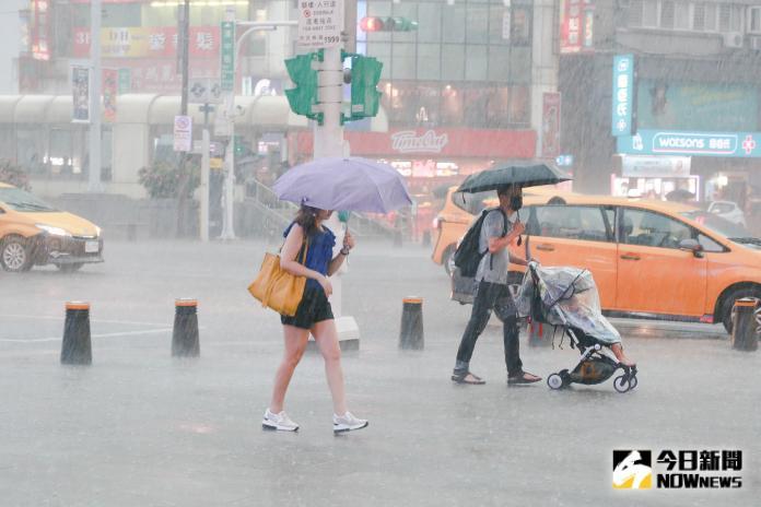 ▲米塔颱風周一影響最為劇烈。(圖/NOWnews資料照片)