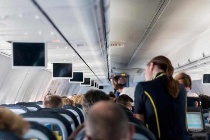 ▲國外一名空服員列出,她和同事最希望乘客別在飛機上做的事。(示意圖/取自pixabay)