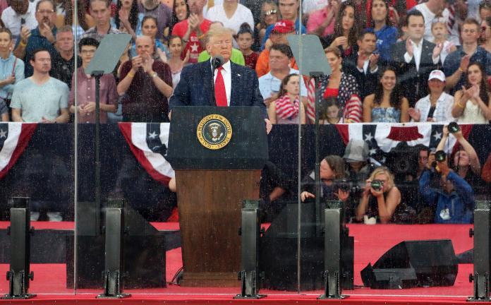 ▲美國總統川普在國慶日發表「向美國致敬的演說,並舉行罕見的閱兵儀式。(圖/達志影像/美聯社)