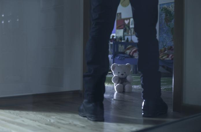 家內性侵「開不了口的原因」 專家解析受害者內心黑洞