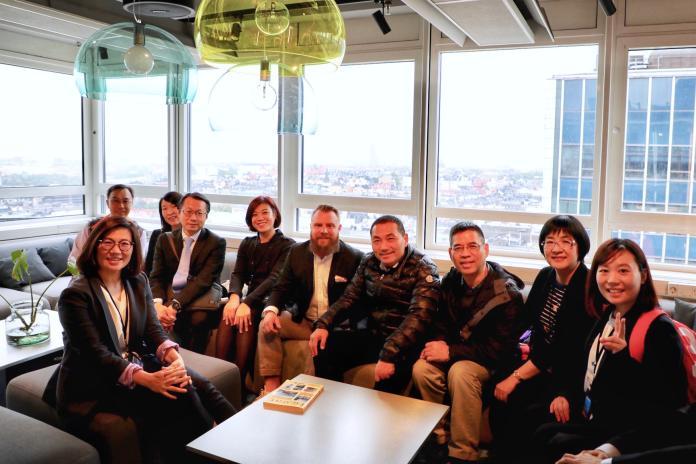 ▲新北市長侯友宜率市府團隊參訪瑞典新創公司Findity。(圖/新北市政府提供)