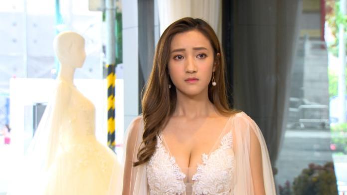 ▲夏宇禾在《大時代》穿爆乳婚紗。(圖/民視提供)