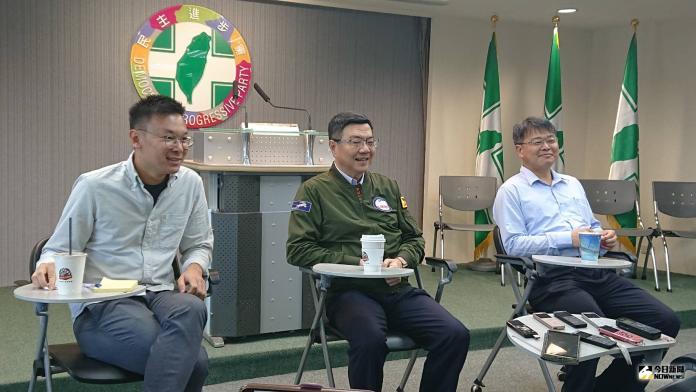 針對台北市長柯文哲批評民進黨就是「說謊成性」一事,民進黨主席卓榮泰16日在與媒體茶敘時表示,人事案從中央到地方規畫過程中,都不會有人去敲鑼打鼓。(圖/記者林人芳攝,2019,07,16)