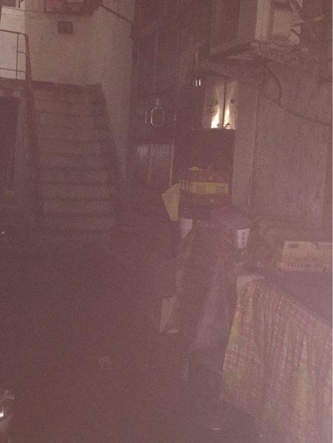 ▲樓下出入口一進來的畫面超陰森。(圖/翻攝自PTT)
