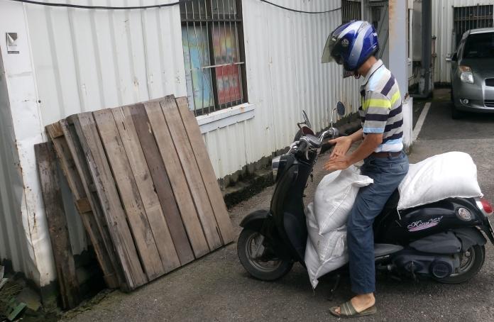 丹娜絲颱風來襲 中市府開放民眾領取沙包