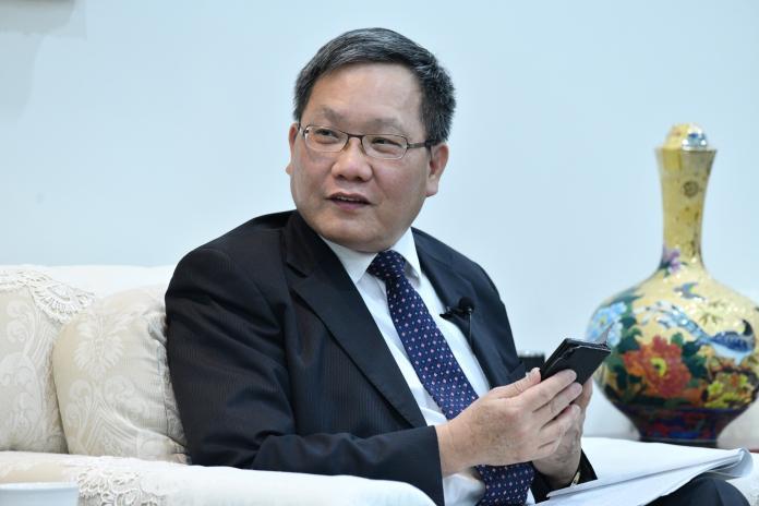 ▲財政部長蘇建榮接受《NOWnews今日新聞》專訪。(圖/記者 林柏年攝)