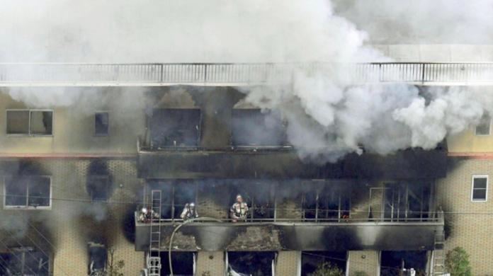 京阿尼死亡分佈曝光!19遺體擠頂樓    差一步活活被燒死