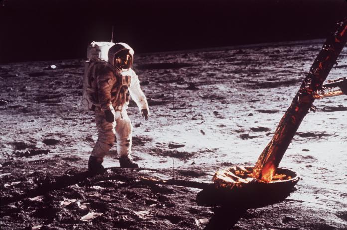 阿波羅11號50周年揭秘  上太空還在管棒球