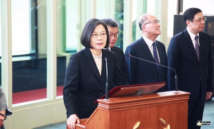 影/<b>「Taiwan Can Help」</b>! 蔡英文籲團結走向世界