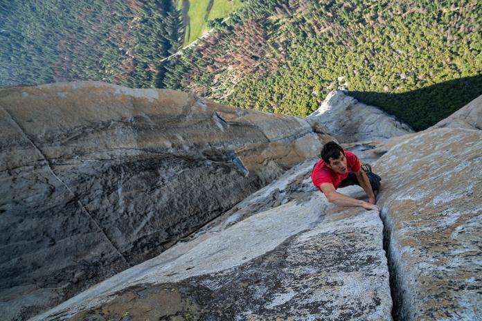 ▲《赤手登峰》征服酋長岩、代言接不完的攀岩英雄捐款做慈善(圖/海鵬)