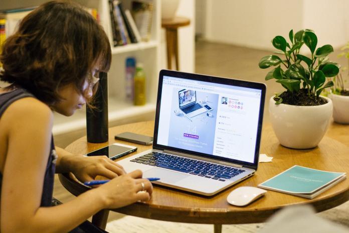 ▲日本政府推動東奧期間民眾在家工作。(圖/Pixabay)