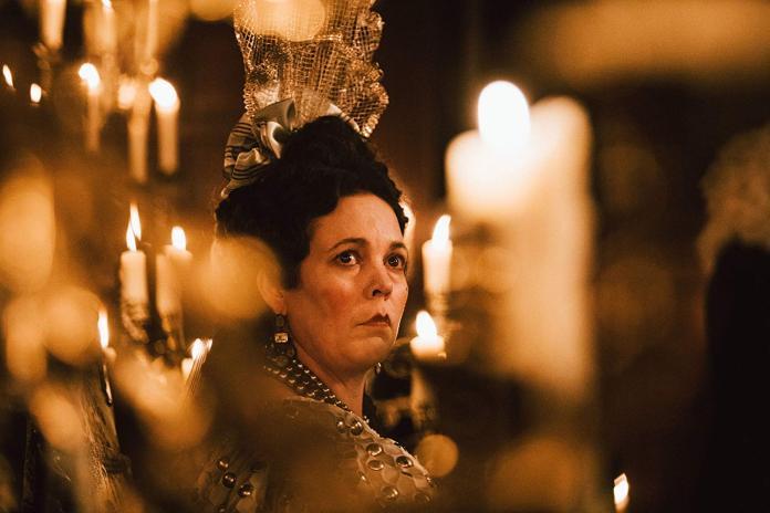 ▲《真寵》奧莉薇亞柯爾曼飾演安妮女王(圖/二十世紀福斯福斯)