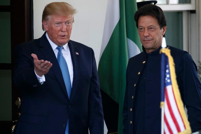 ▲美國總統川普22日接見巴基斯坦總理伊姆蘭汗,被問及反送中議題,認為習近平處理非常負責。(圖/美聯社/達志影像)