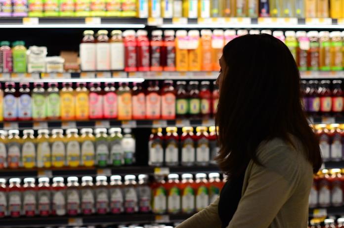 <br> ▲根據《 DailyView 網路溫度計》彙整出「 10 件千萬別在超商做的事」,要是不小心觸犯,可能會讓店員在心中大翻白眼。(示意圖/翻攝自 Pixabay )