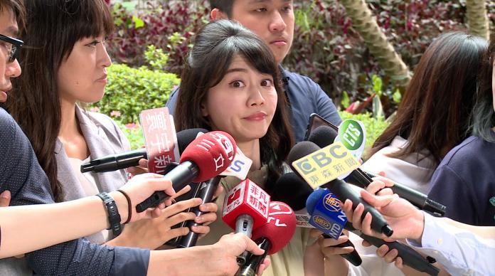 高嘉瑜接受媒體訪問