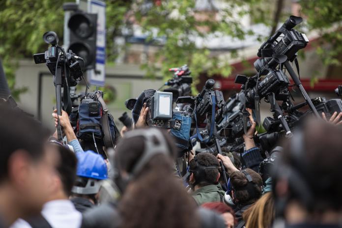 ▲ NCC 強調,新聞媒體應該客觀中立,平衡報導(圖非當事人)。(示意圖/取自 Pixabay )