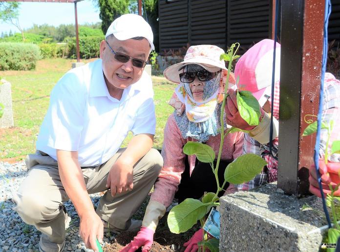 <b>百香果</b>的約定 澎休憩園區種植熱帶水果創造新價值