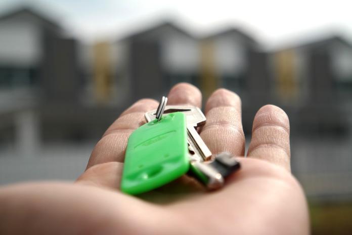 ▲許多人為了生活或交通方便,會選擇在外租屋。(圖/取自 Pixabay )
