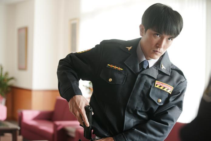 ▲邱澤飾演有靈異體質的通靈警探陳家豪。(圖/甲上)
