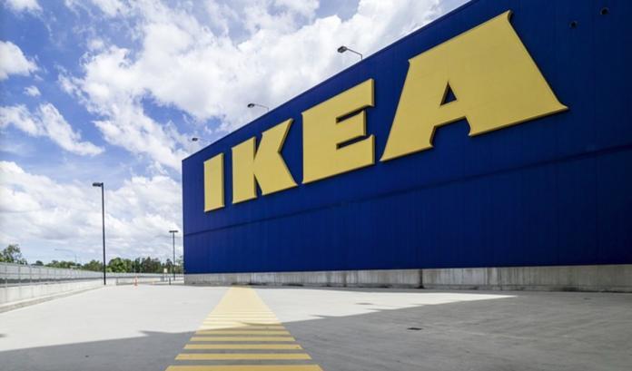 逛IKEA沒有座位吃飯怎辦?大媽「一招」神解 全場都跪了