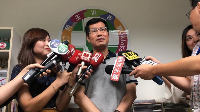 郭冠英狂言代表中共監督台灣選舉!綠委批:該砍光退休金