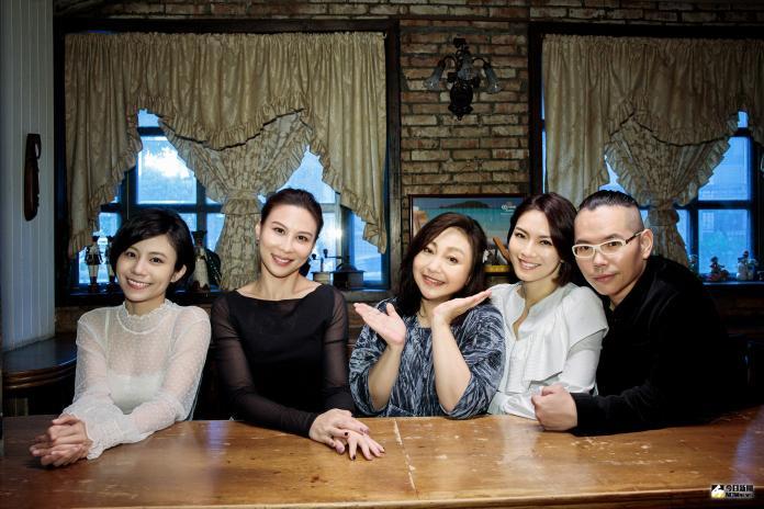 ▲鄭怡的新歌MV,找來好友們林凡、嚴云農、高郁捷等人一起拍攝。(圖/阿爾發音樂提供)