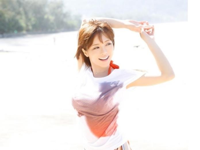 ▲日本女星釋由美子擁有姣好身材及精湛演技備受關注。(圖/翻攝自日網)