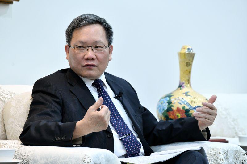 國安基金罕見台股萬二續護盤 財長說出真正原因