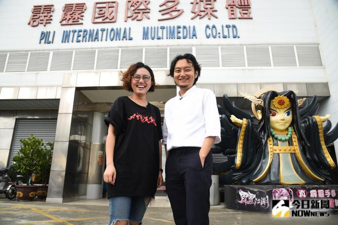 ▲黃亮勛、黃政嘉兄妹認為布袋戲是一種跨文化的藝術形式,無可取代。(圖/記者陳明安攝)