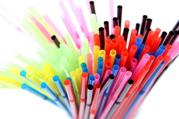 塑膠吸管「1顏色」超毒!譚敦慈曝使用後果:看了很擔憂