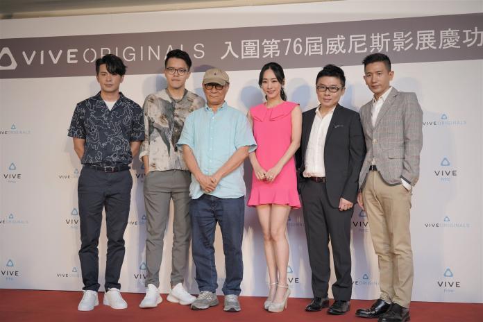 ▲廖慶松(左三)透露侯導近況。(圖/HTC)