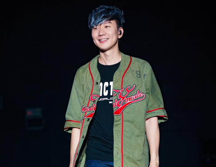▲林俊傑在演唱會表演周杰倫的〈不能說的秘密〉,炸燃全場。(圖/JFJ提供)