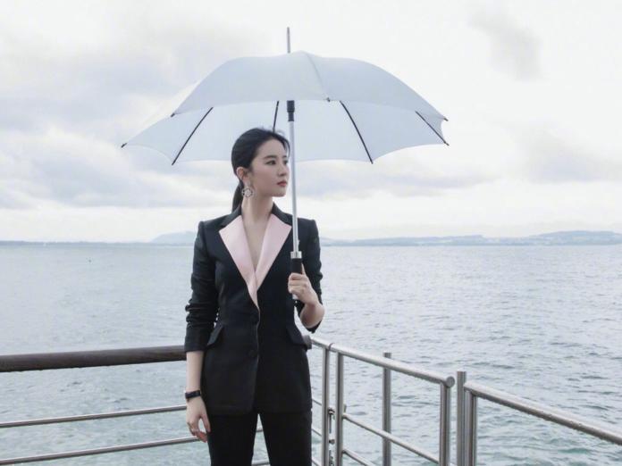▲女星劉亦菲有著「神仙姊姊」的稱號。(圖/翻攝自微博)