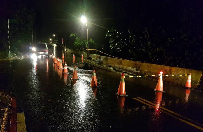 影/地震、豪雨接連侵襲! 大溪大鶯路路基遭掏空