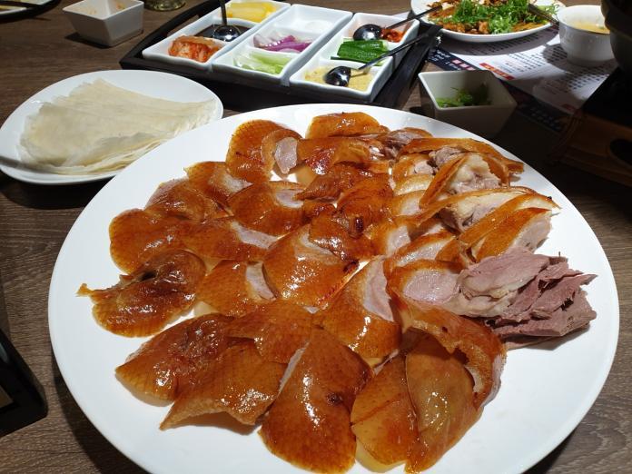 美食巷仔內/火焰烤鴨128變吃法 皮脆肉嫩年烤2萬隻