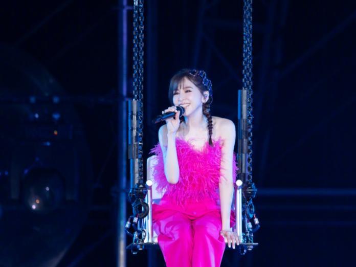 ▲王心凌在演唱會上霸氣闢謠。(圖/翻攝自微博)