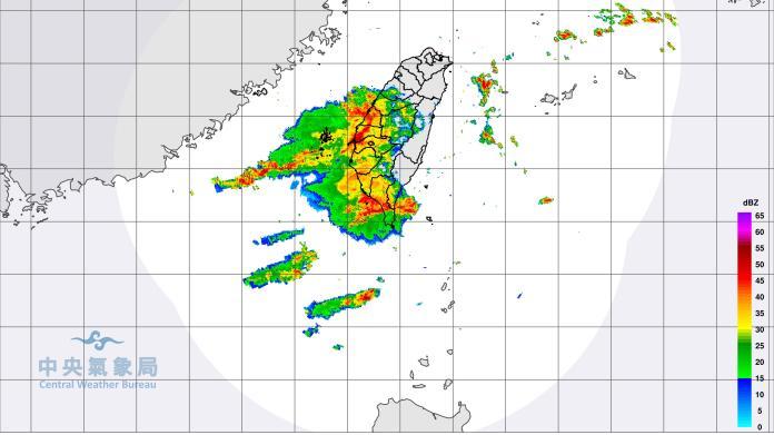 豪雨狂炸數小時 台南市政府宣布停班停課一天