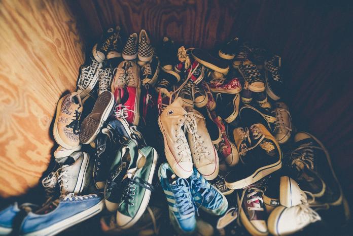 ▲台灣鞋牌相當多樣,不過有些知名大牌每每一雙動輒上千元,這讓網友十分疑惑是否有便宜、品質又不差的品牌呢?(圖/取自 Pixabay )