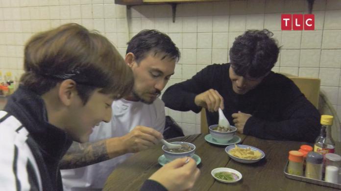 <br> ▲金鍾國想推薦李光洙喝蛇湯,直言想看他害怕的表情。(圖/TLC旅遊生活頻道)