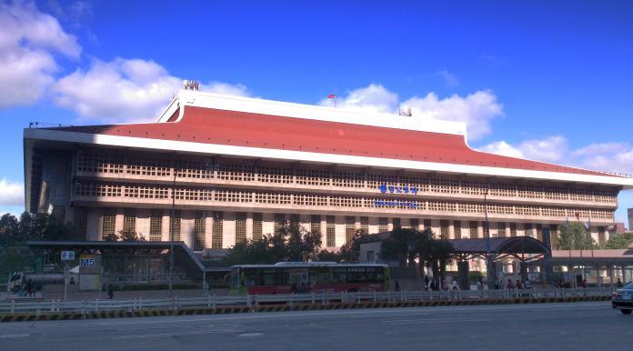 <br> ▲台北車站為全台數一數二車站。(圖/取自維基百科)