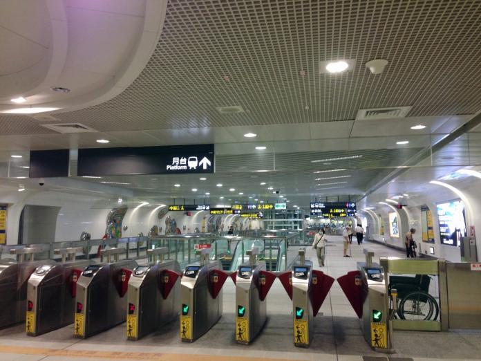 <br> ▲台北車站現今有相多的路線,但為了旅客方便認路,都會附上指標。(圖/取自 pxhere )