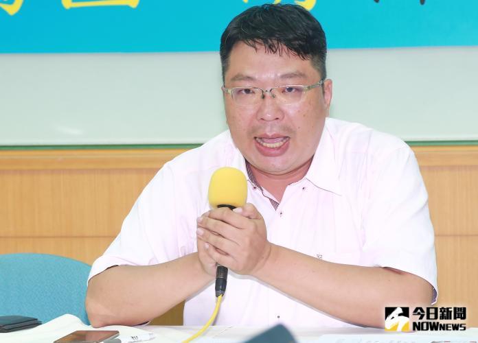 ▲國民黨黨代表敖博勝批韓國瑜匪類被開除,開記者會再度